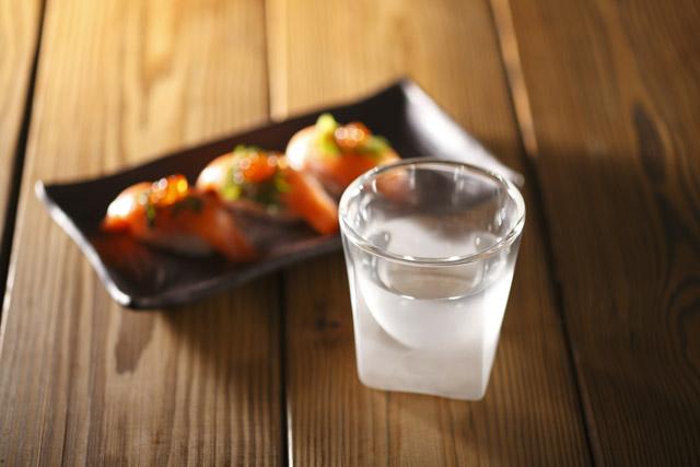 寿司 サーモン 酒 冷酒 熱燗 フロスト 曇り 雲 サンドブラスト rayes レイエス スクエア ダブルウォールグラス