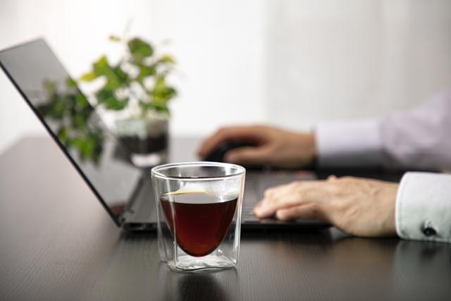 テレワーク コーヒー PC 自宅で 仕事 レイエス rayes ダブルウォールグラス